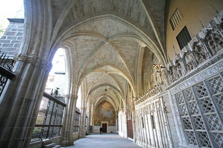 033TO-Toledo-Kathedrale-Kreuzgang-Südgalerie_©-Institut-für-Tourismus-in-Spanien-TURESPAÑA
