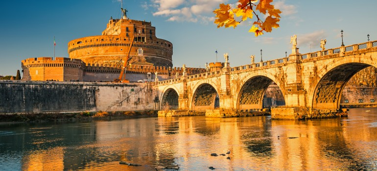 Rom - Engelsburg und Engelsbrücke Fotolia_70531159_L