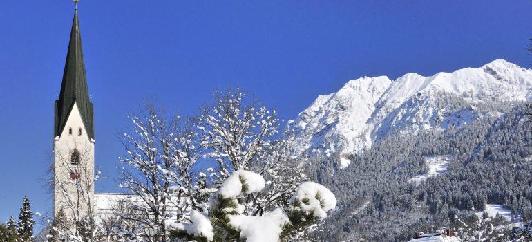 Besinnliche Adventsreise: Oberstdorf Zentrum im Winter