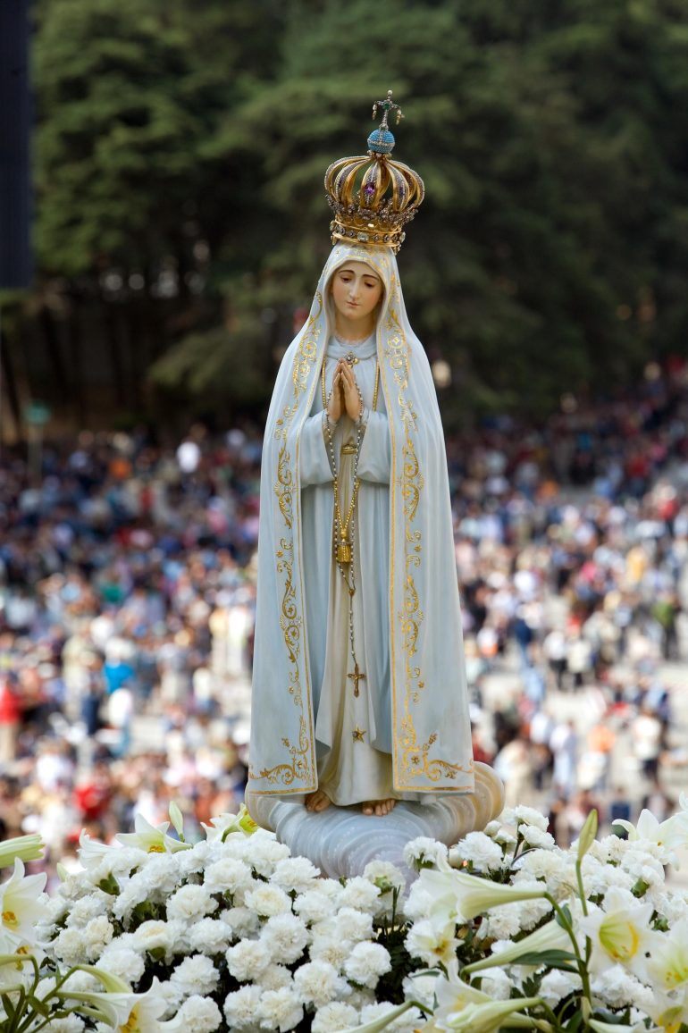 statue-of-our-lady-of-fatima-rui-rebelo-images-of-portugal