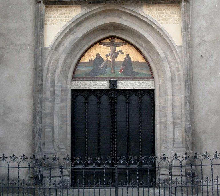 Reise auf den Spuren Martin Luthers: Thesentür WittenbergKultur e.V.Tourist-Information Lutherstadt Wittenberg