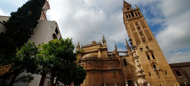 Sevilla, Kathedrale und Giralda, Gruppenreise Andalusien, Besichtigungsprogramm Sevilla, Arche Noah Reisen