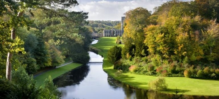 Fountain Abbey im Herbst, Gruppenreise planen, Kulturreise England, Arche Noah Reisen