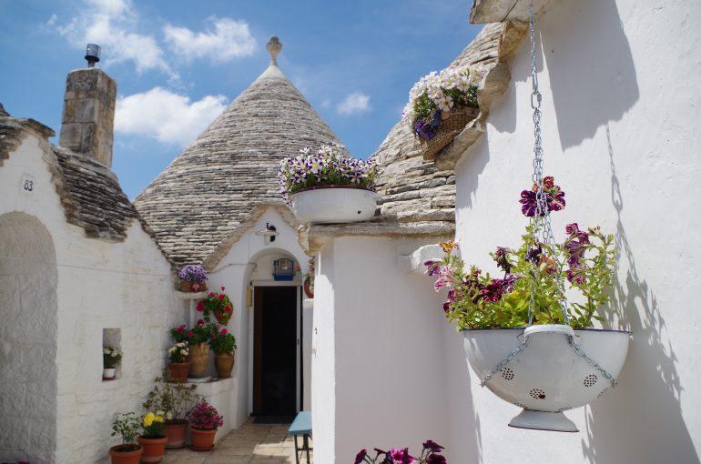 Apulien, Alberobello, Bild von lavaligiainviaggio auf Pixabay, Studienfahrt Apulien, Reiseprogramm Apulien