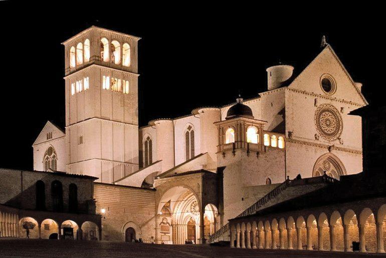 Assisi, Kloster bei Nacht, www.pixabay.com