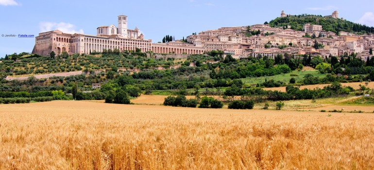 Assisi vom Stadtplan, Wanderexerzitien Franziskusweg, Pilgerwandern Italien, Gruppenreise komplett organisiert