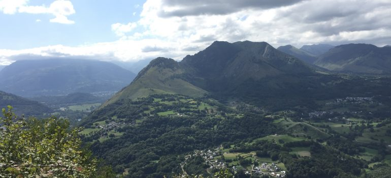 Lourdes, Ausblick Pyrenäen vom Pic du Jer, Foto Daniela Welter Arche Noah Reisen