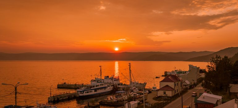 Baikalsee Listwjanka_lake-baikal-4472018_申杰 朱 auf Pixabay, Gruppenreise Baikalsee