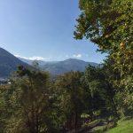 Lourdes - Blick in die Pyrenäen vom Kreuzweg aus, Foto Daniela Welter, Arche Noah Reisen