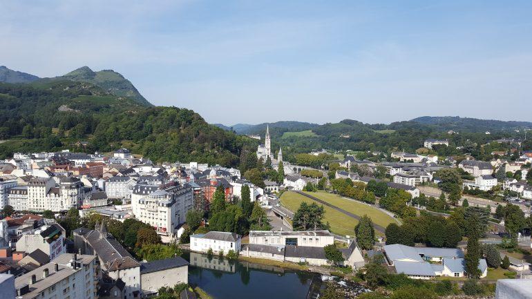 Blick auf Lourdes vom Château-Fort, Foto: Susanne Schwarz, Pilgerreise Lourdes, Arche Noah Reisen