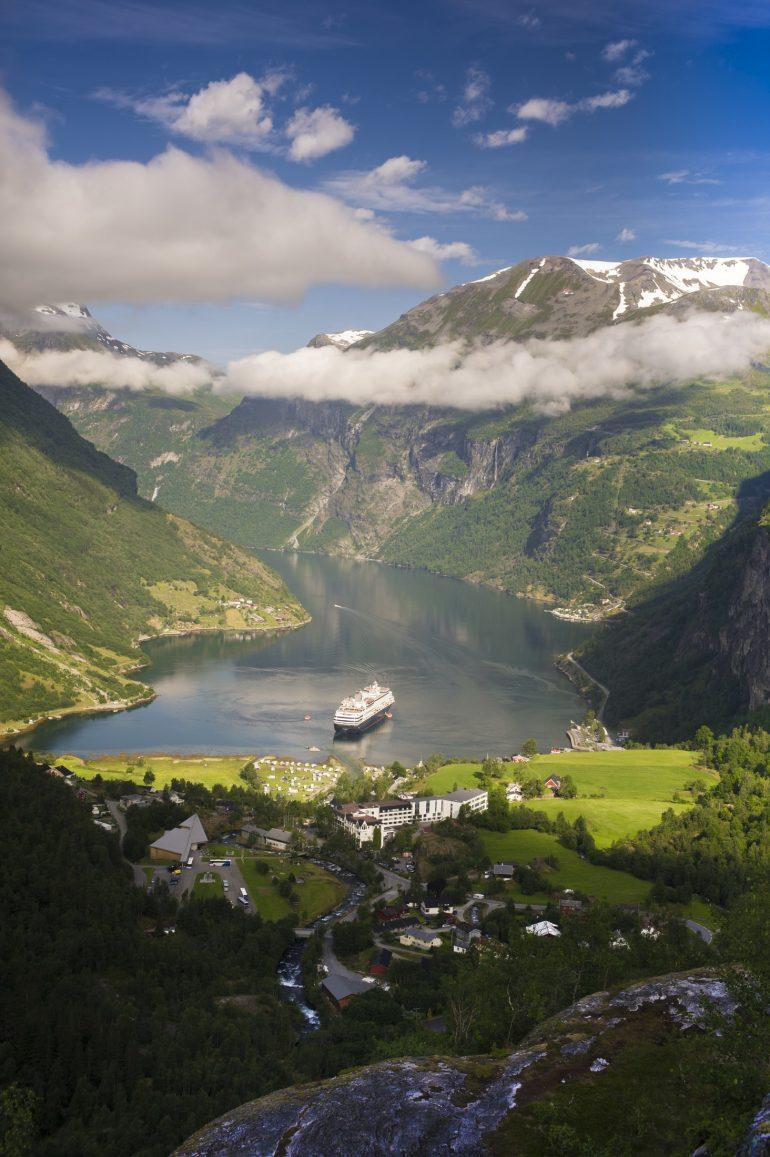 Cruiseskip i Geiranger, Fotograf: CH, Visitnorway.com