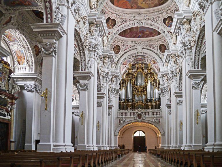 Dom in Passau, www.pixabay.com, Pilgerfahrt, Reise nach Altötting, Pilgern in Gruppe