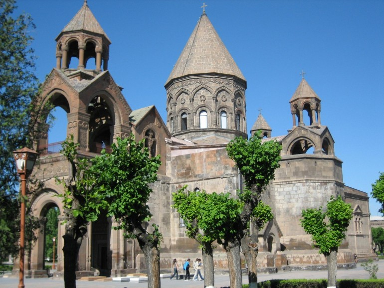 Etchmiadzin Cathedral - Foto: Armenia Holidays