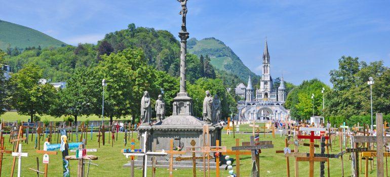 le sanctuaire de Lourdes, Fotolia_34069570_XL_chanelle, Pilgern Lourdes