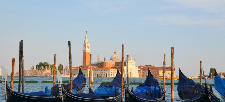 Gondeln, www.pixabay.com, Gruppenreise Venedig, Reisebeispiel Venedig, Eigene Gruppenreise worauf achten , Arche Noah Reisen