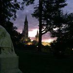 Lourdes - Heiliger Bezirk in der Dämmerung, Foto Daniela Welter, Arche Noah Reisen