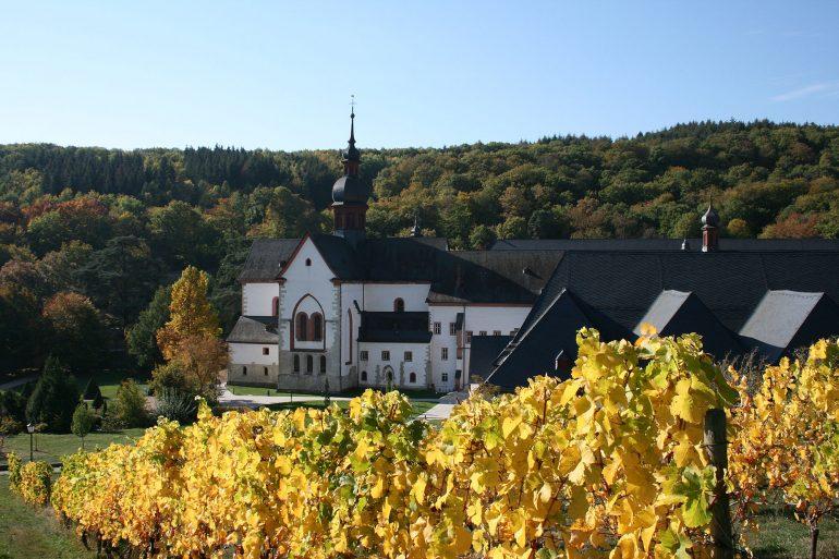 Kloster Eberbach im Herbst, Stiftung Kloster Eberbach, Klosterführung, Arche Noah Reisen
