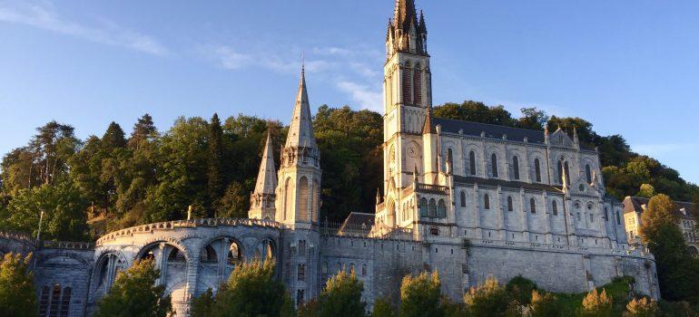 Lourdes - Obere Basilika, Foto Daniela Welter Arche Noah Reisen
