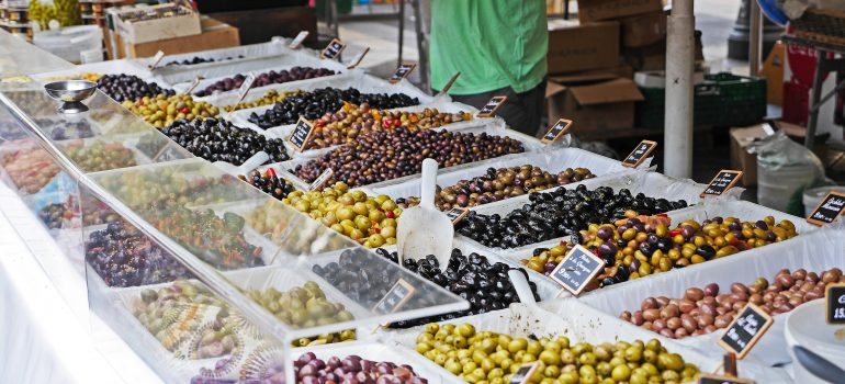 Markt in Nizza, Image by Erich Westendarp from Pixabay