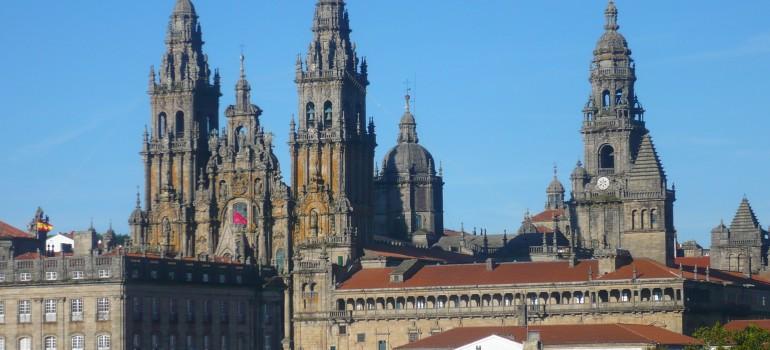 Fotolia_15828637_L_Tobias Büscher, Santiago de Compostela, Pilgern Jakobsweg, Pilgerreise Santiago de Compostela, Gemeinsam unterwegs