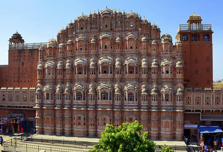 Palast des Windes, Jaipur, Bild von Richard Mcall auf Pixabay, Sicher Reisen, organisierte Gruppenreise Indien