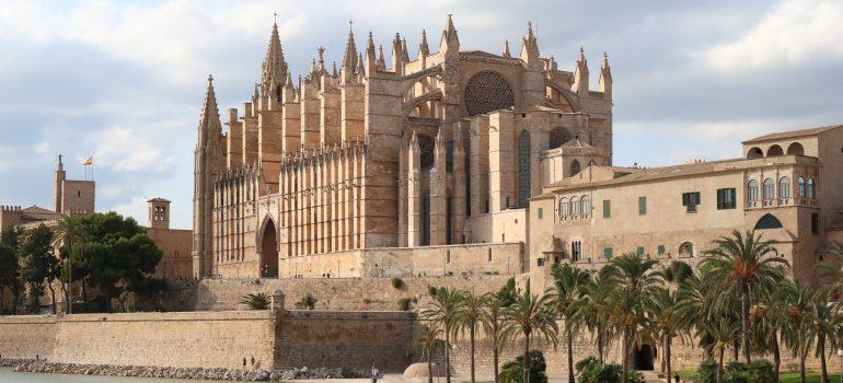 Palma de Mallorca, Kathedrale-Bild von Nicole Pankalla auf Pixabay, Pilgerreisen Mallorca, Arche Noah Reisen