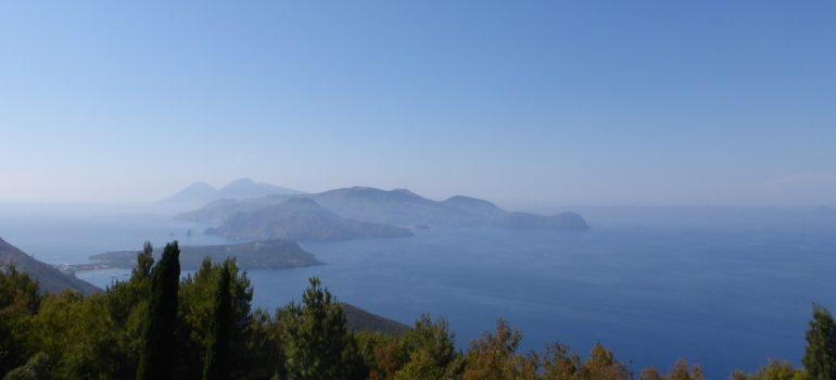 Panorama über die Inseln-Ausschnitt, Foto: Andreas Pehl, Reise Liparische Inseln, Organisierte Gruppenreise, Arche Noah Reisen