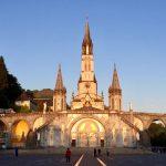 Lourdes - Rosenkranzbasilika bei Sonnenaufgang, Foto Daniela Welter, Arche Noah Reisen