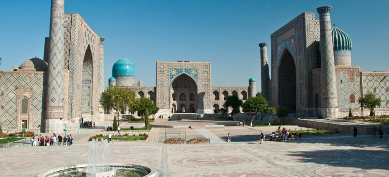 Studienreise Usbekistan: Le Reghistan, Samarkand, Orient Voyages, Gruppenreise Usbekistan, Arche Noah Reisen
