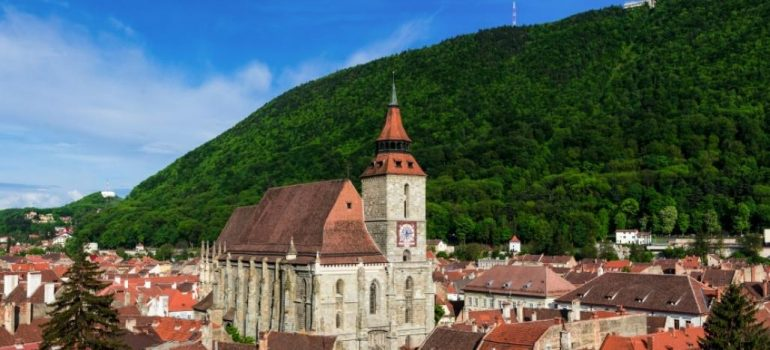 Schwarze Kirche, Karpaten Turism