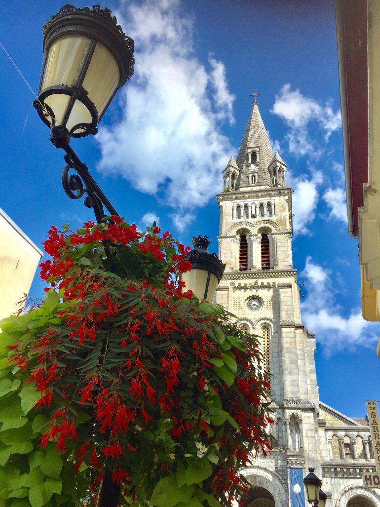 Lourdes - Taufkirche Bernadette, Foto Daniela Welter Arche Noah Reisen
