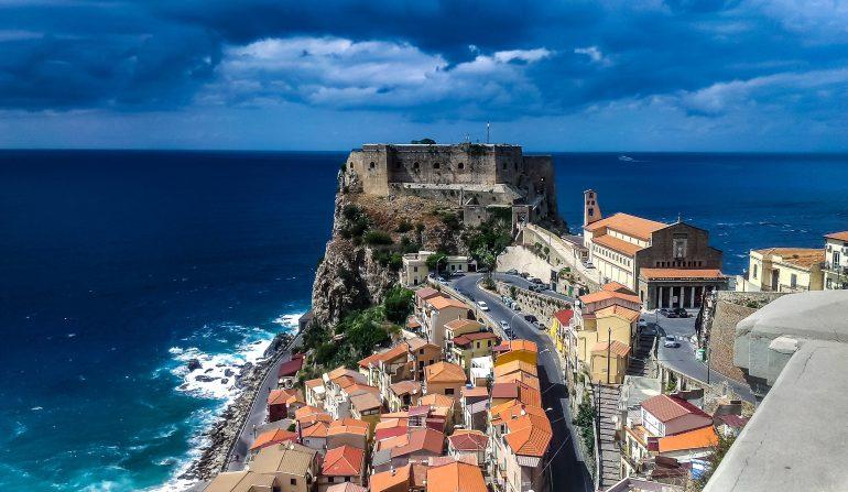 Tropea, Bild von Walkerssk auf Pixabay, Aktive Gruppenreise, Naturreise, Arche Noah Reisen