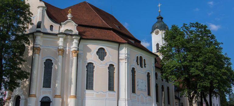 Wieskirche, Pfaffenwinkel, Pilgerreise Pfaffenwinkel, Pilgerort Bayern, Arche Noah Reisen, www.pixabay.com