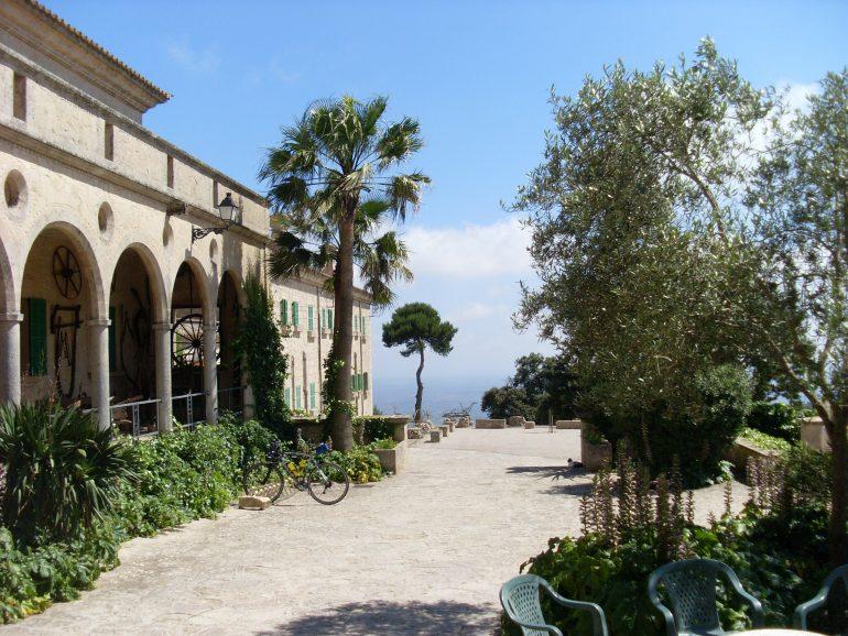 Mallorca, Kloster Berg Randa, Bild von Karin Jordan auf Pixabay, Pilgern auf Mallorca, Arche Noah Reisen
