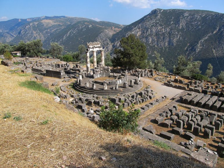 Delphi, www.pixabay.com, Pilgern in Gruppe, Betreute Reise, Arche Noah Reisen