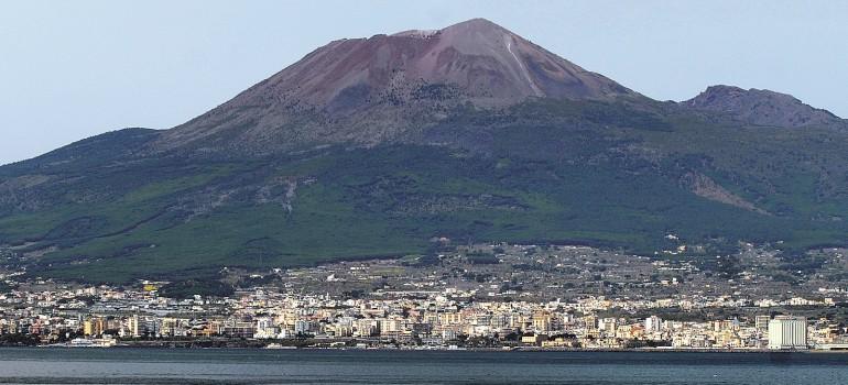Blick auf Vesuv, www.italiafoto.de, Dietmar Guth, Organisierte Gruppenreise Italien, Arche Noah Reisen